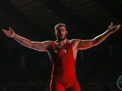 Luca Svaicari esulta per la vittoria del bronzo ai Campionati Europei Juniores di Roma