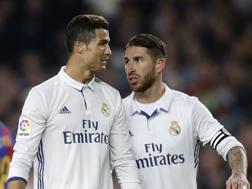 Cristiano Ronaldo e Sergio Ramos con la maglia del Real Madrid. Getty