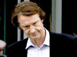 Jim Ratcliffe, 65 anni, è l'imprenditore più ricco di  Inghilterra