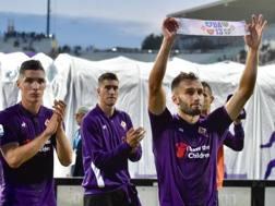 La Fiorentina mostra la fascia dedicata ad Astori. Lapresse