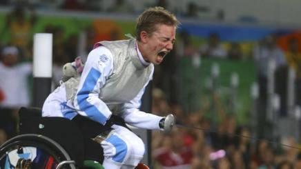 La gioia di Beatrice Vio, oro nel fioretto alle Paralimpiadi di Rio 2016