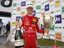 Mick Schumacher protagonista al Nurburgring