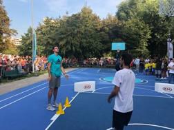 Danilo Gallinari, 30 anni, al nuovo playground di Parco Marinai d'Italia
