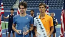 Da sinistra Thiago Seyboth Wild, 18 anni, con Lorenzo Musetti, 16 TONELLI