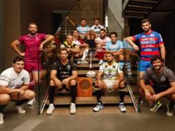 I capitani delle 12 squadre del Top 12 a Milano (FIR)
