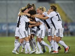 La Juventus esulta dopo il gol dell'1-0 di Barbara Bonansea. Getty Images