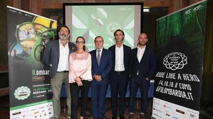 Da sinistra: Andrea Trabuio, Responsabile dell'Area Mass Events di RCS Sport, Martina Cambiaghi, Mauro Vegni, Marco Galli e Francesco Alleva.