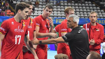 Andrea Anastasi durante un time out. Fivb