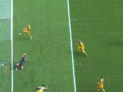 All'11' del secondo tempo discesa sulla sinistra di Perisic che mette in mezzo un tiro cross teso su cui interviene con il gomito Dimarco