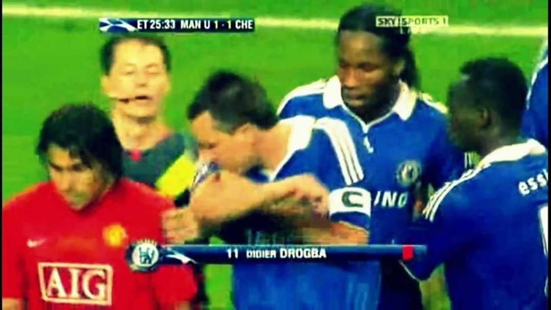 Finale decisamente da dimenticare per Terry. Nel 2008 il capitano del Chelsea non solo sbagliò il rigore decisivo finendo in lacrime amare il match, ma fu protagonista anche di un gesto decisamente poco sportivo: alcune immagini video infatti sembrano mostrare uno sputo rifilato a Tevez, nella confusione della rissa che avrebbe poi portato all'espulsione di Drogba. Non ho sputato a Tevez. Non è nel mio stile. Non sputerei mai ad un avversario si difese il calciatore.