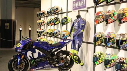 Alcune creazioni di Aldro Drudi, designer dei caschi di tantissimi campioni, tra cui spiccano quelli di Valentino Rossi