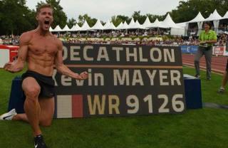 Kevin Mayer, fisico quasi nella norma da 1.86 per 77 kg. Afp