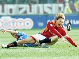 Lo scontro con Richard Vanigli che causò l'infortunio di Totti nel 2006. Getty