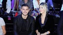 Mauro Icardi e Wanda Nara, ospiti d'onore alla sfilata milanese di Armani. Instagram