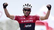 Alberto Contador trionfa sull'Angliru nella Vuelta 2017. AFP