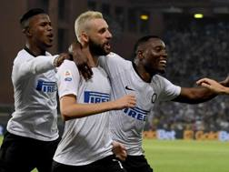 L'esultanza dei calciatori dell'Inter dopo il gol di Brozovic. Getty Images