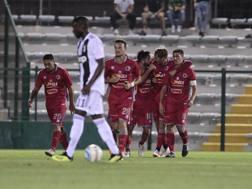 L'Alessandria festeggia la vittoria contro la Juventus U23. LAPRESSE