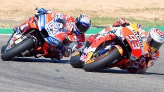 Marc Marquez davanti a Dovizioso ad Aragon. Afp