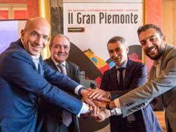 Da sinistra a destra: Valerio Oderda, sindaco di Racconigi, Mauro Vegni, Giovanni Maria Ferraris, Diego Sarno, assessore allo sport del Comune di Nichelino (Stupinigi)
