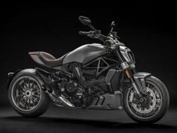 La Ducati XDiavel nella colorazione Matt Liquid Concrete Grey