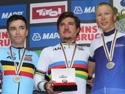 Il podio della gara in linea del Mondiale Under 23. Bettini