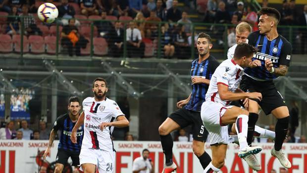 Il colpo di testa con cui Lautaro Martinez ha segnato il primo gol in Serie A. Getty Images