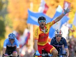 Alejandro Valverde vince il titolo mondiale. Bettini