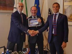Il presidente della Regione Veneto Luca Zaia col presidente del Coni Giovanni Malagò e Carlo Mornati. Ansa
