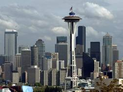 Lo skyline di Seattle con l'iconico Space Needle. La Key Arena è in questa zona. Epa