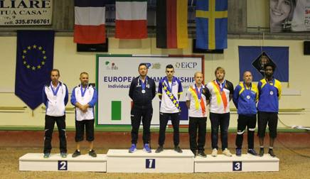 Diego Rizzi  sul gradino più alto del podio Europeo