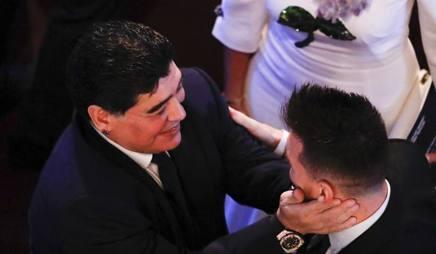 Diego Armando Maradona e Lionel Messi. LaPresse