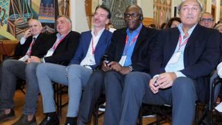 Dan Peterson, Roberto Premier, Riccardo Pittis, Bob McAdoo e Dino Meneghin a Trento. Bozzani