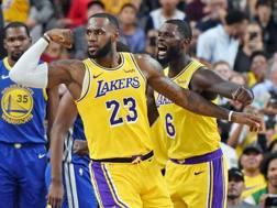LeBron James, 33 anni, nato ad Akron, in Ohio, è passato da Cleveland ai LA Lakers. In carriera vanta 3 titoli NBA