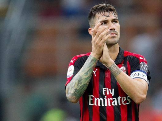 Juve: Douglas Costa titolare  Milan, recupera Romagnoli