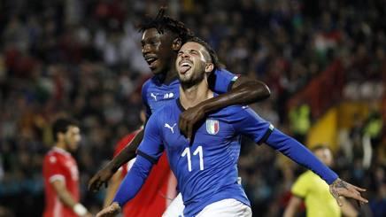 Kean e Parigini festeggiano dopo il gol. LaPresse