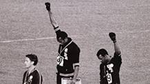 Tommie Smith e John Carlos, pugni alzati contro il razzismo