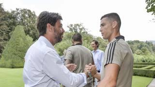Cristiano Ronaldo assieme al presidente Andrea Agnelli - Getty