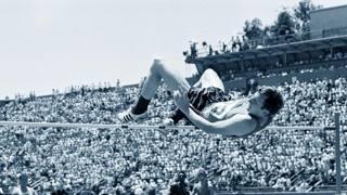 Dick Fosbury salta ai Giochi di Città del Messico 1968