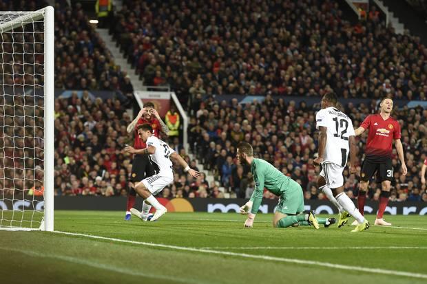 Il gol del Paulo Dybala. Lapresse