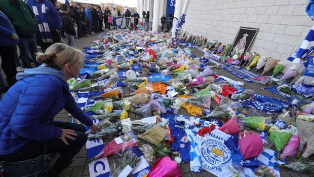 Tanti tifosi del Leicester si sono recati al King Power Stadium. Ap