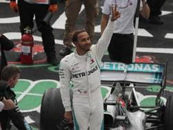 Lewis Hamilton felice dopo il quarto posto che vale il titolo 2018. Ap