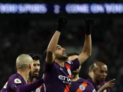 Riyad Mahrez, 27 anni, esulta per il gol segnato. Getty