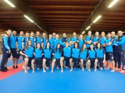 Foto di gruppo per gli azzurri prima della partenza per Madrid