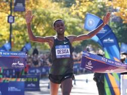 L'etiope Lelisa Desisa, 28 anni, trionfa in Central Park. Afp