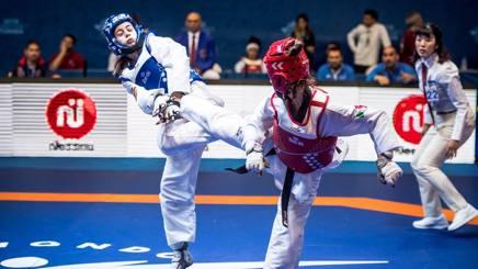 Alessia Sturari (corazza blu) in piena azione. Foto Zazzera