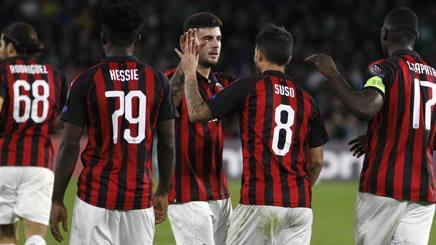I rossoneri dopo il gol di Suso nella ripresa. Ap