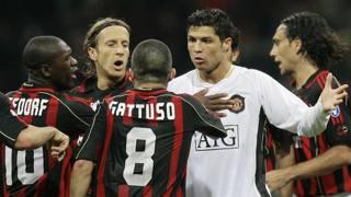 Rino Gattuso a muso duro contro Cristiano Ronaldo nella semifinale di Champions del 2007 tra Milan e Manchester United . Ansa