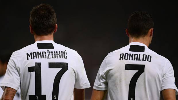 Mandzukic e Ronaldo, i due protagonisti della vittoria della Juventus a San Siro. Afp