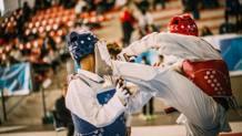 Scatti dai combattimenti tra seniores e cadetti ai Campionati Italiani Cinture Rosse disputati al Palaprometeo Estra Rossini di Ancona. Una competizione che ha visto 530 atleti provenienti da tutta Italia darsi battaglia per conquistare il titolo nazionale nelle categorie: Cadetti A (nati dal 2004 al 2006), Junior (nati dal 2001 al 2003) e Senior (nati dal 1983 al 2001). Alto il livello tecnico mostrato da questi atleti prossimi a diventare cinture nere