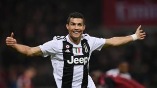 L'esultanza dopo il gol dello 0-2 a San Siro di Cristiano Ronaldo, 33 anni